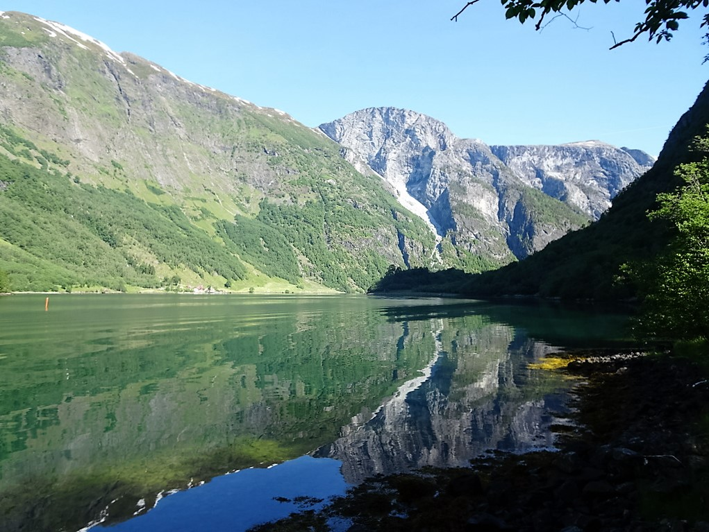 69 Noeröyfjorden