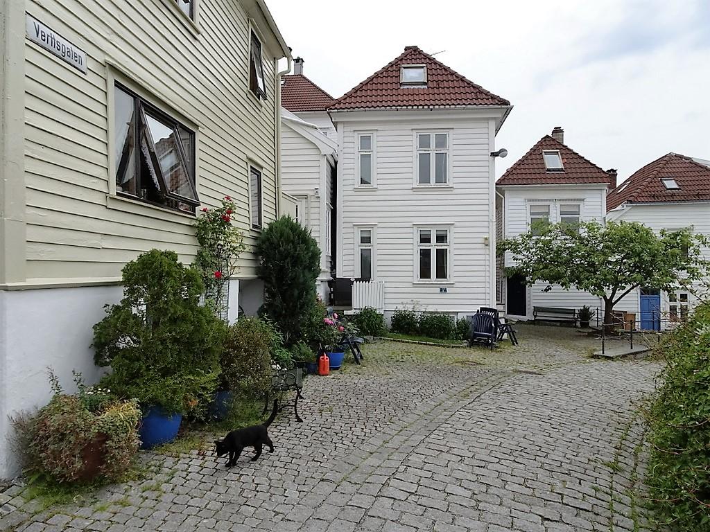 83 Bergen