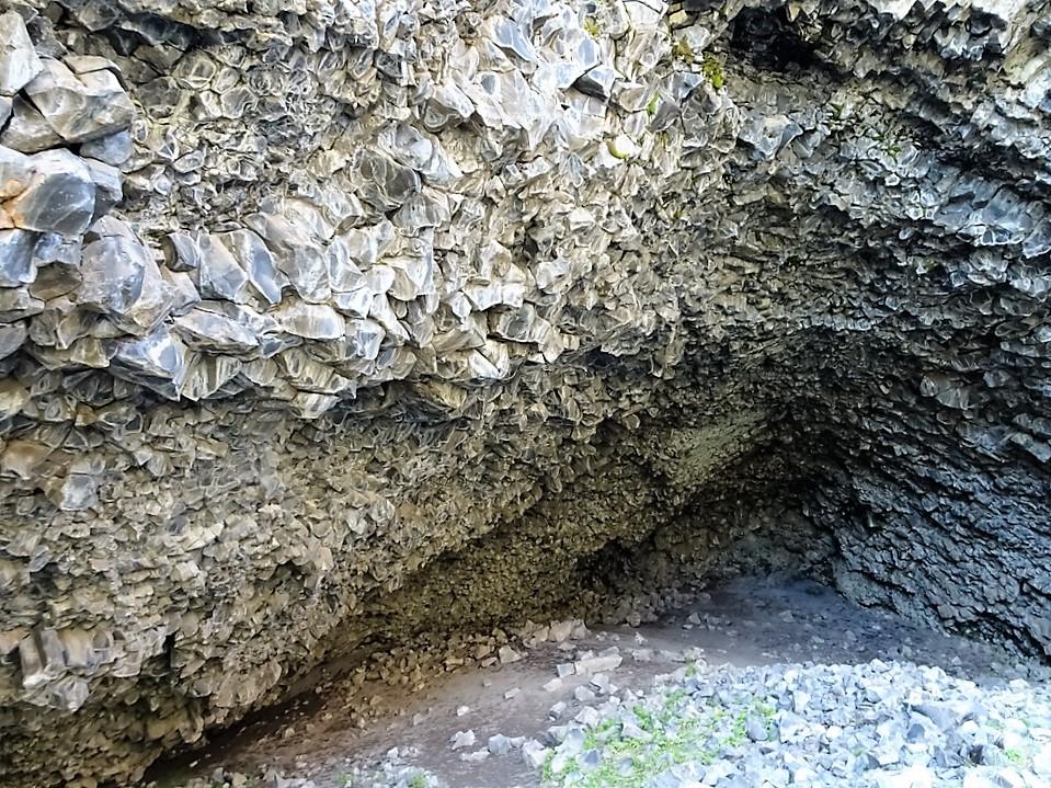 197 Rauðhólar